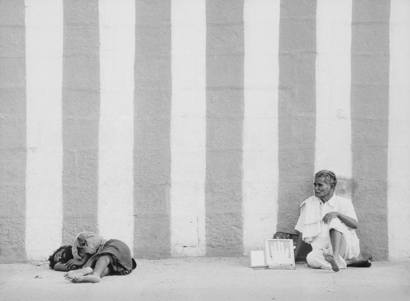 India, rechts de toekomstvoorspeller, maar wat is de toekomst van de arme sloeber links?